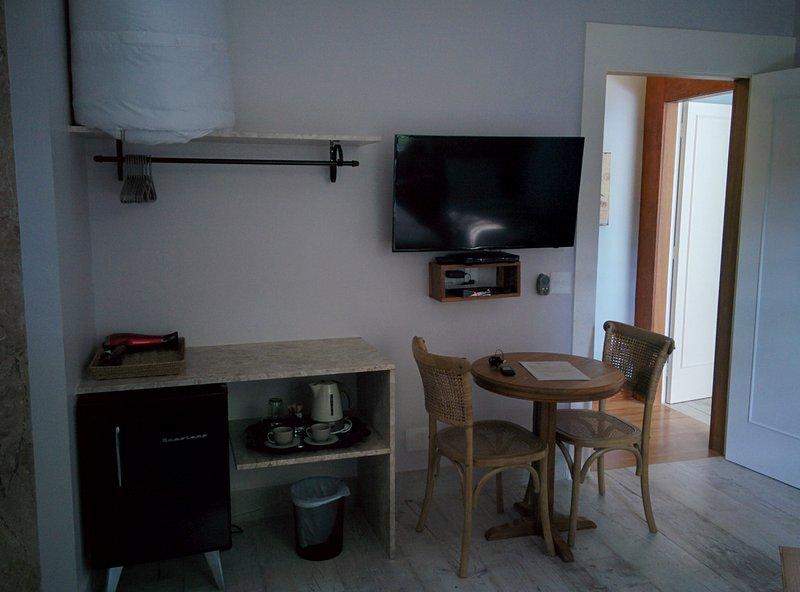 Room - TV, DVD and frigobrar