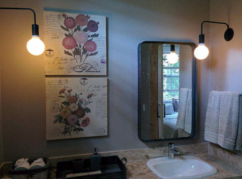 Room - private bathroom