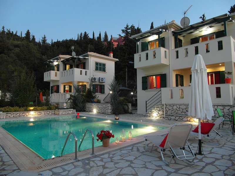 2 private villa with 2 exclusive pools - privacy guaranteed for each villa different entrance