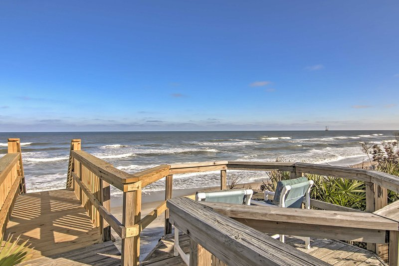 For the ultimate Ponte Vedra Beach getaway, book this fabulous vacation rental house!