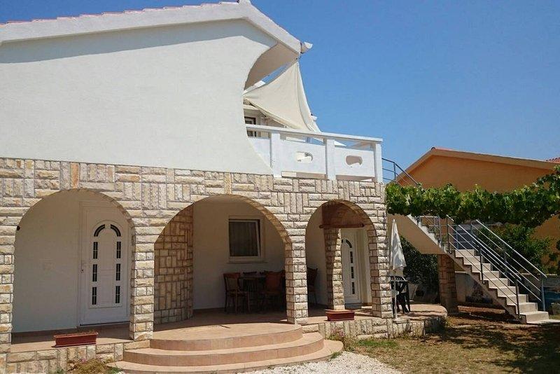 Apartments Island of Vir, vacation rental in Vir