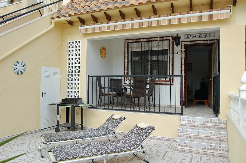 Affordable 2 Bed Apt Lomas Del Golf on Communal Pool, Villamartin Plaza Close, location de vacances à San Miguel de Salinas