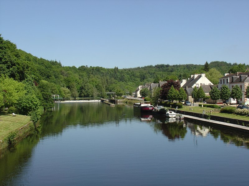 We are situated in the heart of the valley, La Sabotiere overlook the river