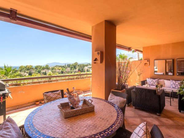 Luxury penthouse within metres of the beach, holiday rental in Marbella