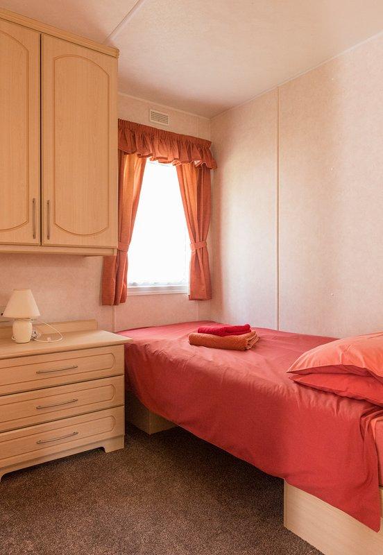 Petite chambre avec 2 lits caravanes standards