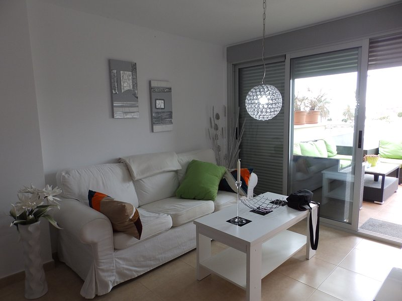 HYDRA03 - El Alamillo - Walking to Beach & Bars, 2 beds, Sea Views, holiday rental in Puerto de Mazarron