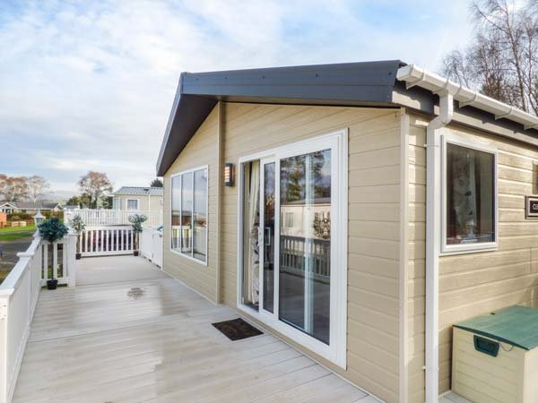 CLEARVIEW LODGE, detached lodge, WiFi, on-site facilities, Borth, Ref 950724, holiday rental in Borth