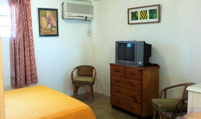 Bananaquit - Cosy guest room near the beach, location de vacances à Canaan
