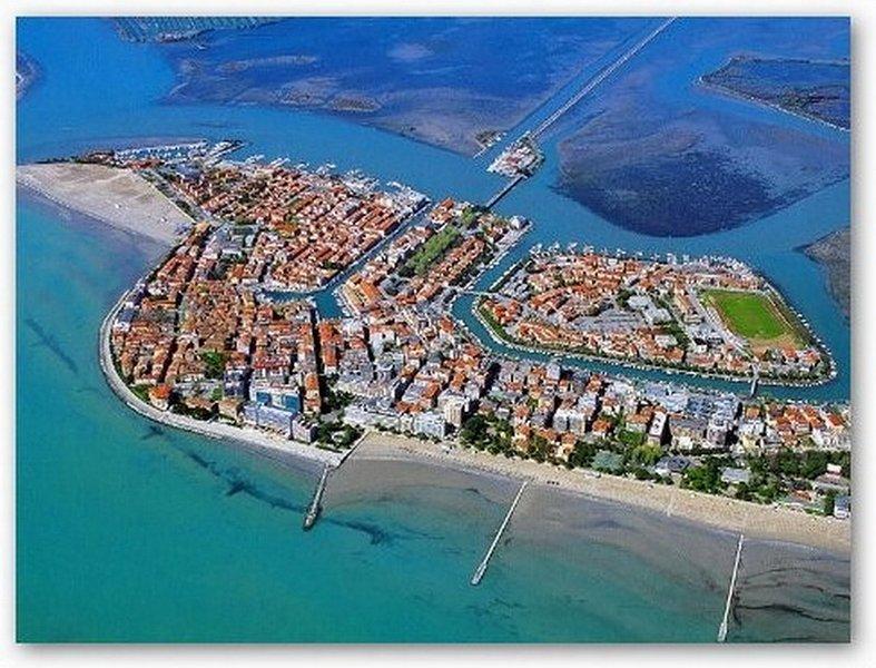 Grado, uma praia apenas 20 min. da Casa Artuico, com lindo centro histórico e bonito laguoon