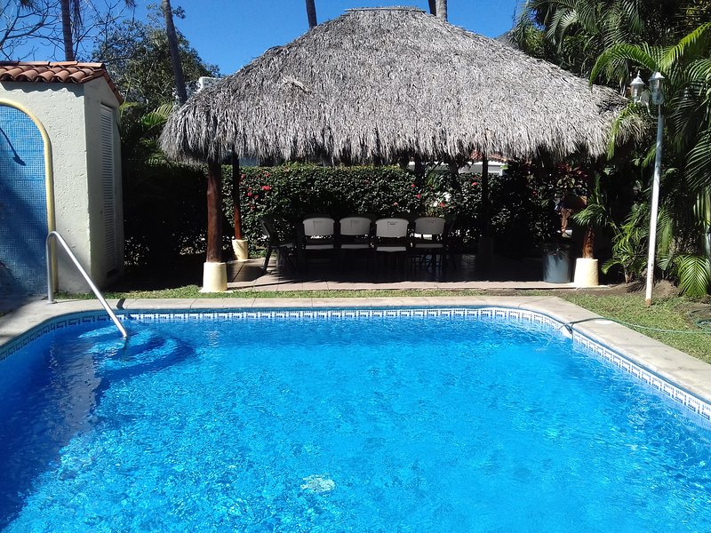 NICE HOUSE FOR RENT, holiday rental in Manzanillo