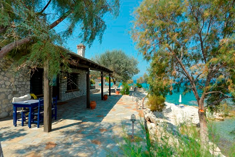 Kiparissi Cottage Athos, holiday rental in Ouranoupoli