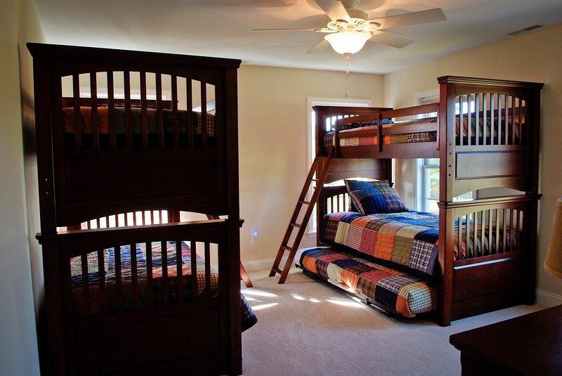 Second Floor Bunk Beds with Trundles (Sleeps 6)