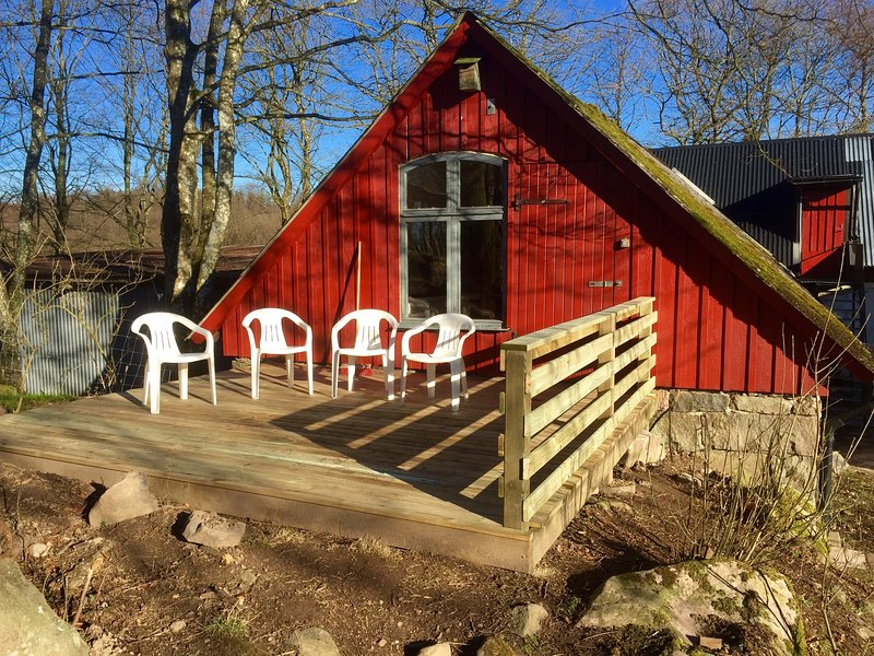 Happy Dogs Ranch Cozy Hay Loft, vacation rental in Lund
