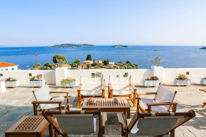Villa Harp with Breathtaking Sea View, holiday rental in Kanapitsa