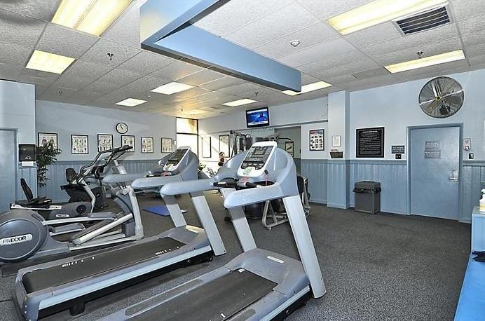 Fitnessraum im Gebäude