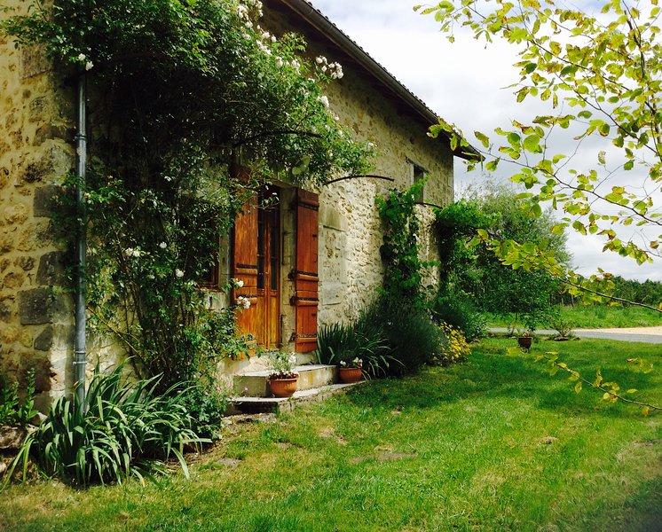 La Petite Maison, vacation rental in Nontron