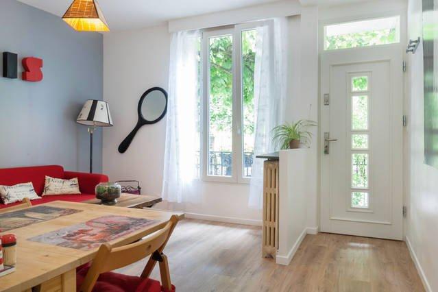 Cosy and beautiful Apartment Close to Paris and CDG airport, location de vacances à Seine-Saint-Denis