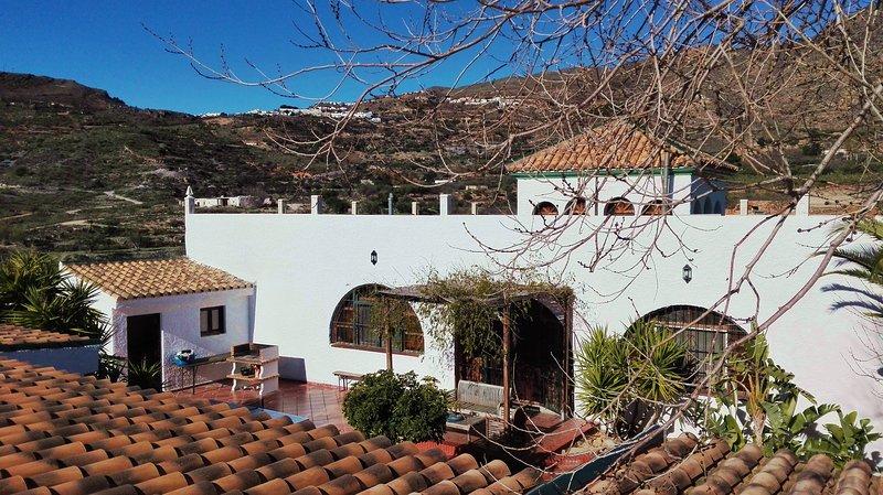 ALQUERÍA DE GÍTAR. Preciosa villa rural cerca del mar, alquiler vacacional en Rágol