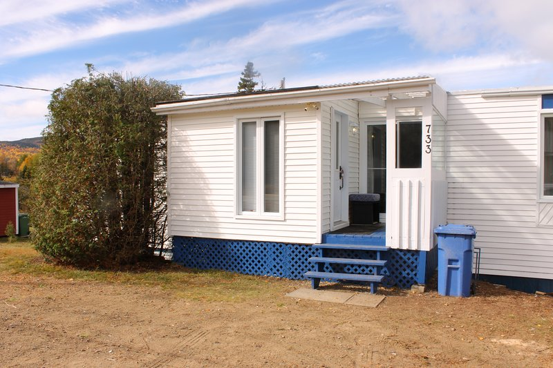 Cottage only 500m from the Mont Grand-Fonds Ski Hills in La Malbaie, Charlevoix!, location de vacances à Kamouraska