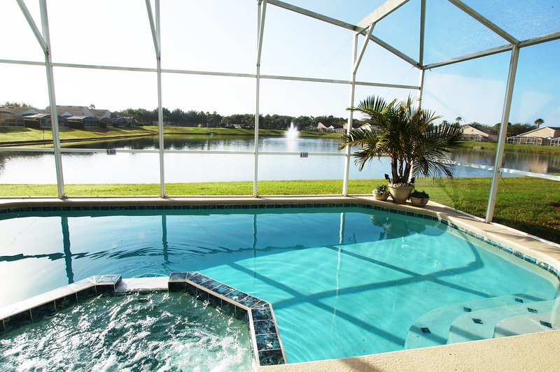 DISNEY*AWESOME Lake View *SOUTH Facing Pool/Spa* no staring at a wall or other home here! Games room