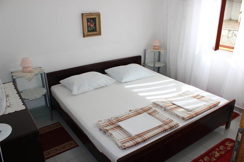 Apartmani - Petrina, holiday rental in Jablanac