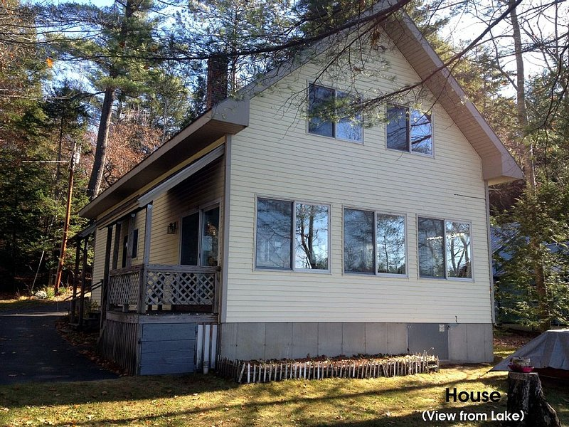 Newly Rennovated 2016! Four Season House on Lake Near Bethel Me & Sunday River, holiday rental in Woodstock