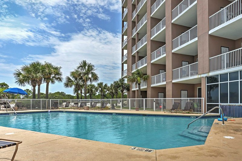West Gulf Shores Condo w/Ocean Views, Shared Pool!, vacation rental in Fort Morgan