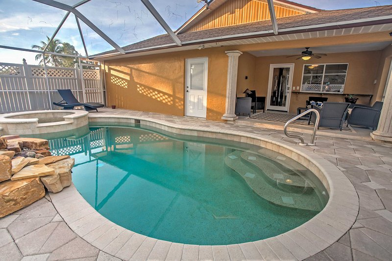 Explore all that Naples has to offer from this fabulous 3-bedroom, 2-bathroom vacation rental house! When you're not out and about, relax poolside on the private, screened patio.