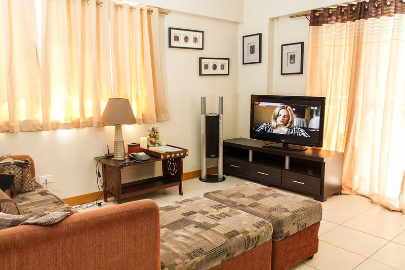 3 Bedroom Unit near Airport and The Fort - BGC, vacation rental in Taguig City