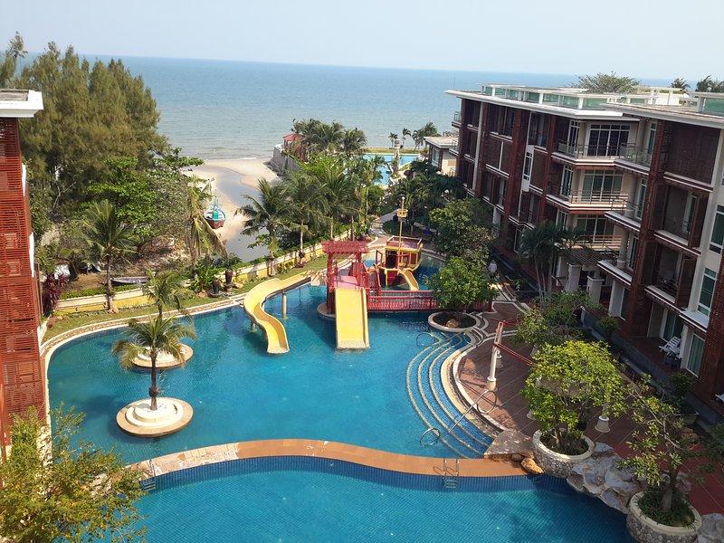 Avrete pieno relax con la famiglia e gli amici in mezzo alla natura della spiaggia di Hua Hin, che pacifica