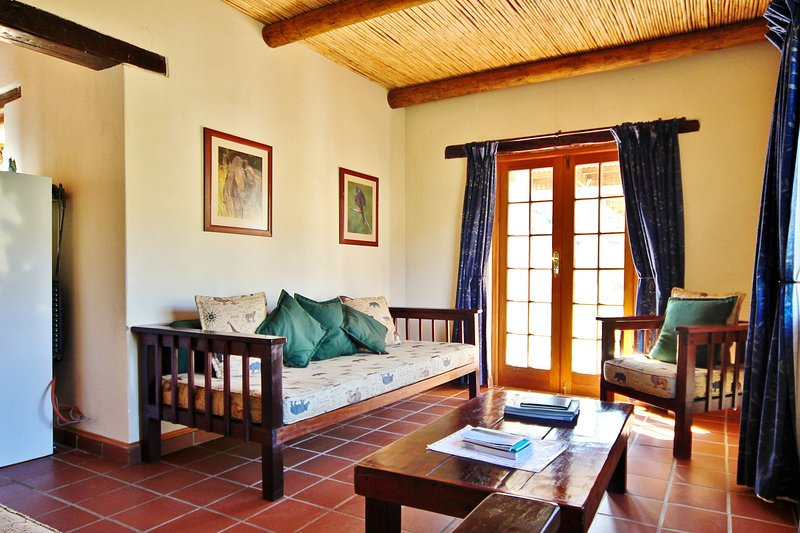 Steenbok Self Catering Accommodation - Private Nature Reserve - Hot Tubs, holiday rental in Ladismith