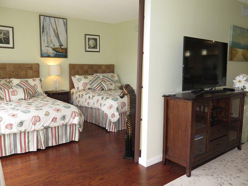 1BR+Den  Apartment with Beautiful Ocean View, location de vacances à Waianae