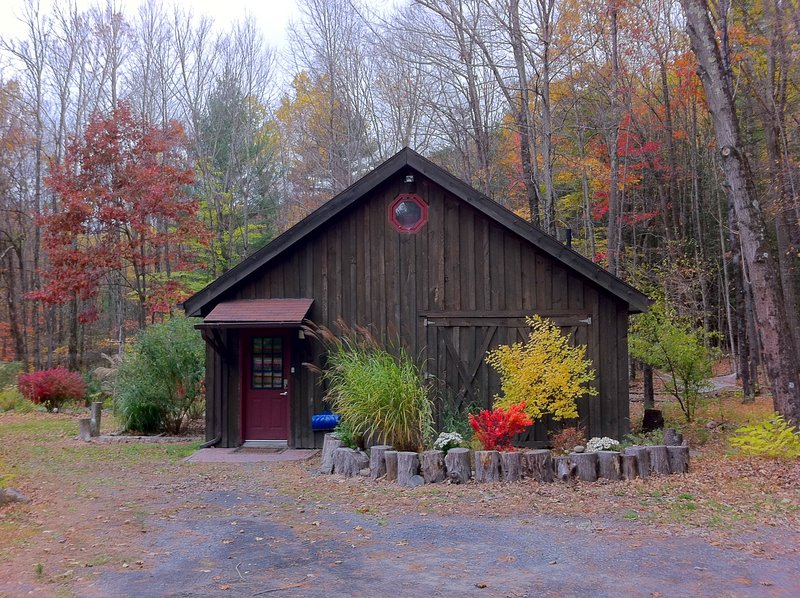 Romantic Country Barn By the Stream, alquiler de vacaciones en Woodstock