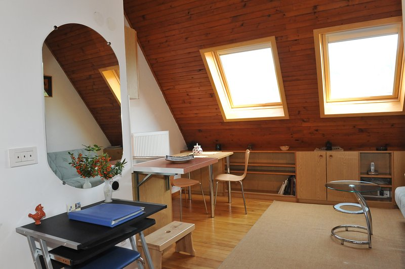 Bright studio apartment Jurij with AC and parking, holiday rental in Domzale
