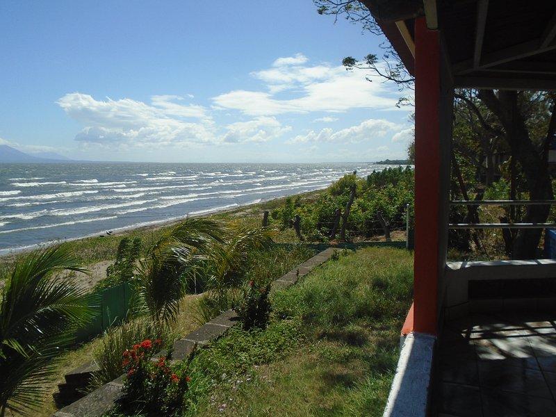 Quinta alexander, propiedad con playa privada con un area de 1500 metros cuadrad, vacation rental in Moyogalpa
