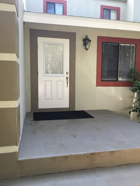 Easy access private entrance from frontyard