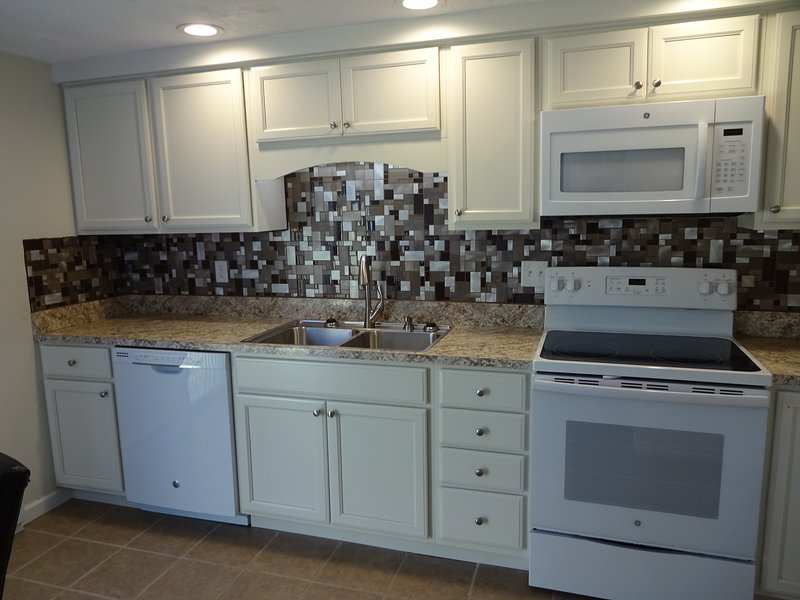 Newly Remodeled Townhouse, holiday rental in Cresson