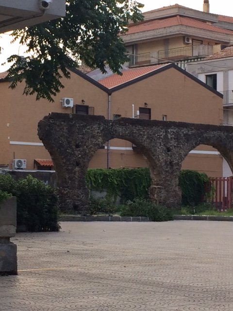 vestiges de l'ancien aqueduc romain