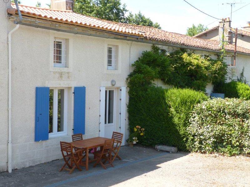 Gite 40 mins from Puy du Fou, holiday rental in Saint-Marsault