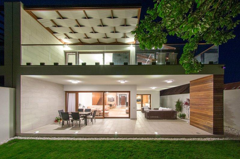 The One House, location de vacances à Dumbravita