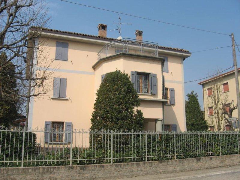Charming loft, vacation rental in Ravarino