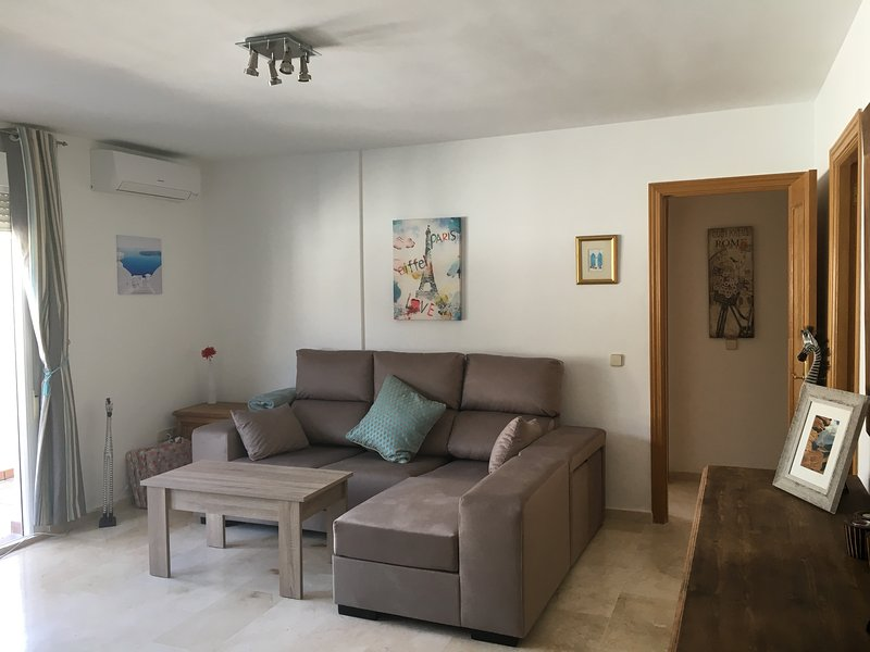Modern, bright and comfortable with great views in the village of Benahavis
