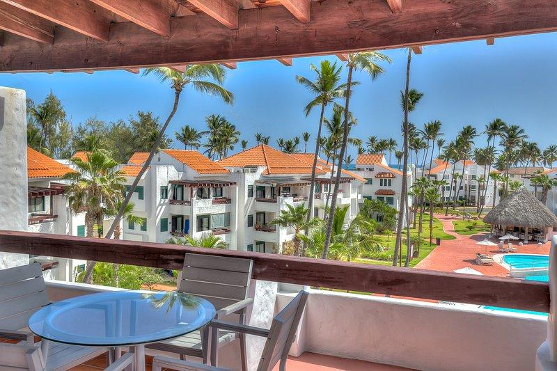 Neat 2 Bedroom Apartment next to the Beach S-I401, location de vacances à République dominicaine
