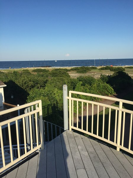 Ocean City Gardens Single Family Home With Stunning Ocean, Inlet and Bay Views, alquiler de vacaciones en Longport