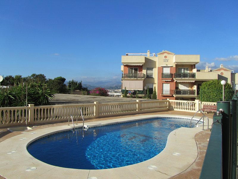 Three bedroom apartment in Torre del Mar with pool, holiday rental in Valle Niza