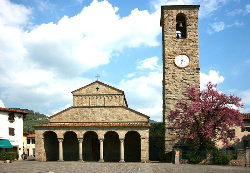 La famosa iglesia de San Pietro in Cascia, hogar del célebre tríptico Masaccio