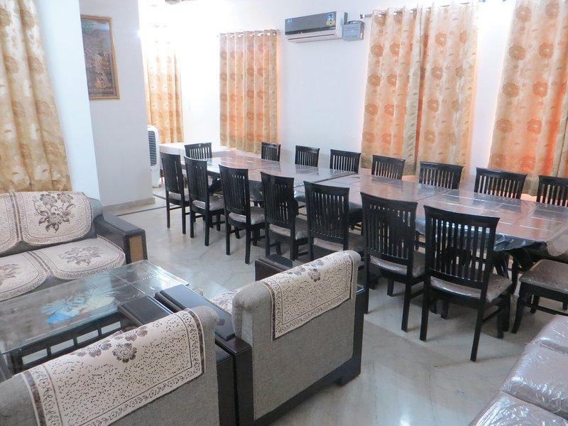 Lounge / sala da pranzo e sala conferenze