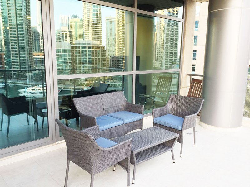 Luxury 4 Bedroom Apartment Al Sahab Dubai Marina, vacation rental in Dubai