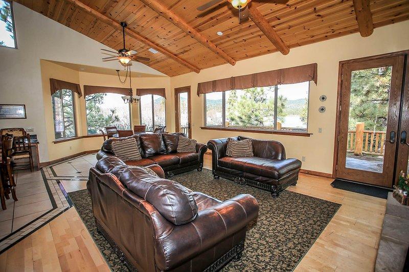 2nd Level Living Room Furnishings