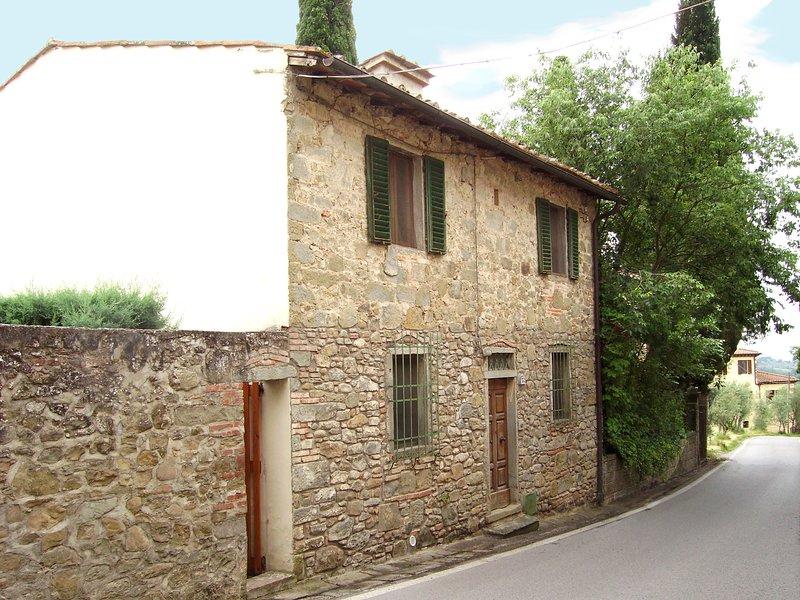 La Villetta - House and garden with spectacular mountain views, near Florence, alquiler vacacional en Reggello